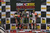 Johnny Rea imparable, Max Biaggi sur le podium