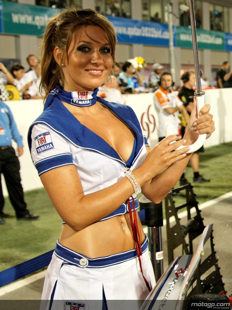 2010 Qatar Losail Umbrella Girl 001