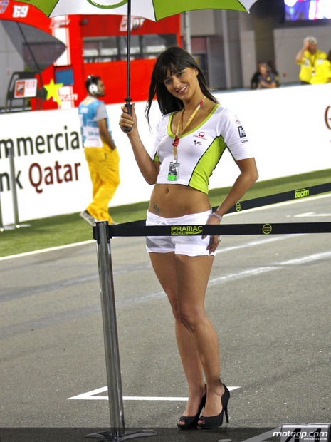 2010 Qatar Losail Umbrella Girl 007