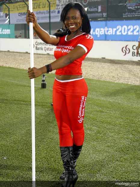 2010 Qatar Losail Umbrella Girl 011