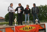 Le groupe Colas fait un don de 6 000 euros à une association de motards