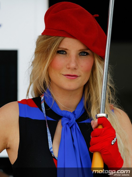 Fille des paddocks du grand prix moto de France 2012