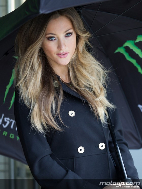 Umbrella girl du grand prix moto sur le circuit de Silverstone 2012