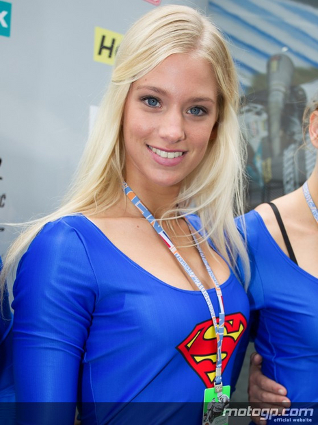 Umbrella girl du grand prix moto Assen 2012