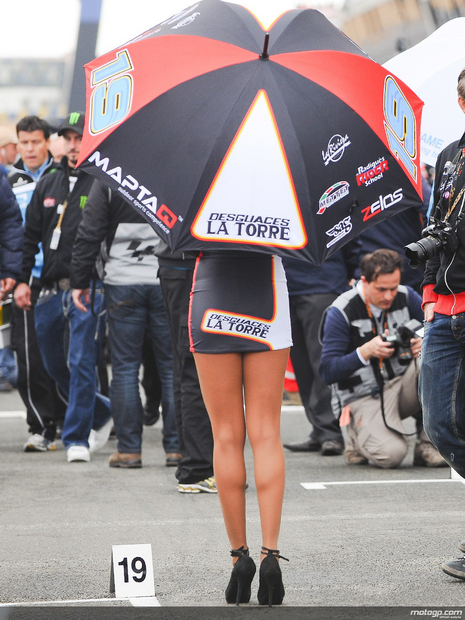 Paddock girl du grand prix moto de France 2013