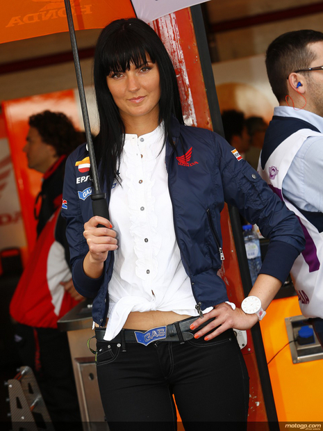 Umbrella girl du motogp Mugello 2013